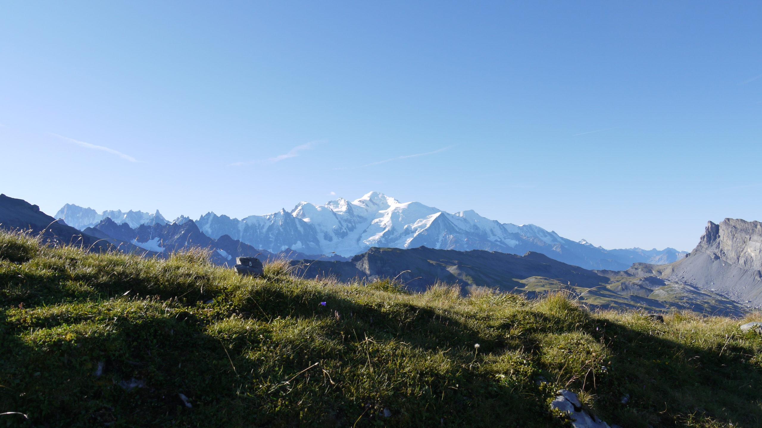 Mont Blanc depuis le chemin au dessus du Refuge du Grenairon